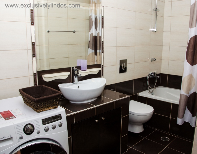 Angeliki Suprerior - Luxury Bathroom with washing machine