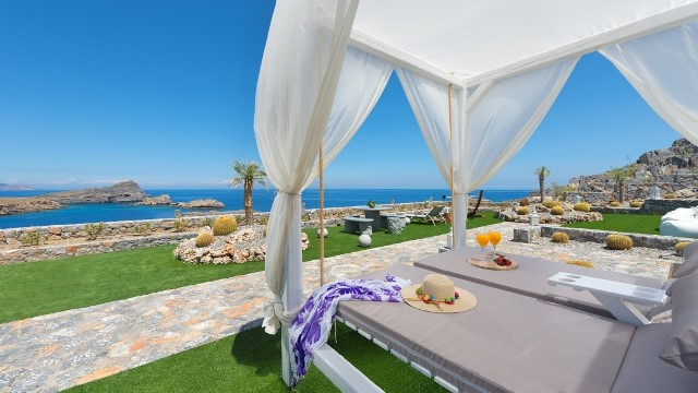 Lindos Villa Vigli - Four poster sunbed with a view