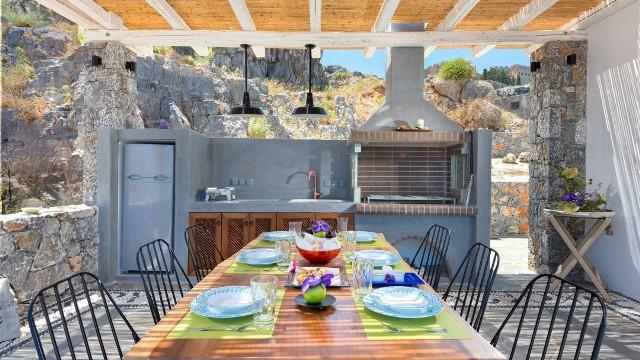 Lindos vigli villa lindos exclusively travel - Amenager sa terrasse de jardin ...
