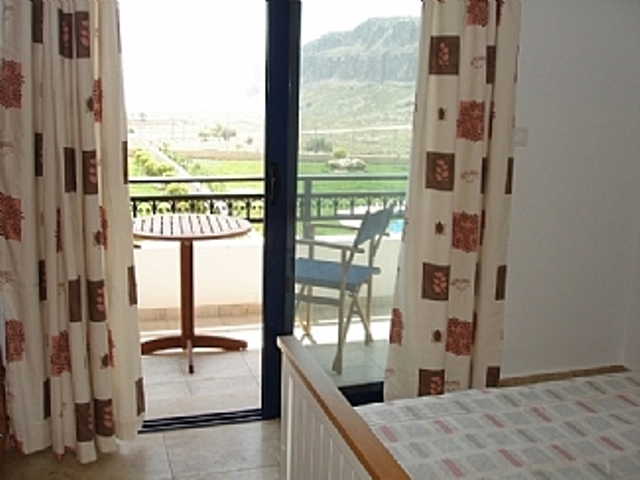 Seaview Villas - Twin room with mountain and garden views