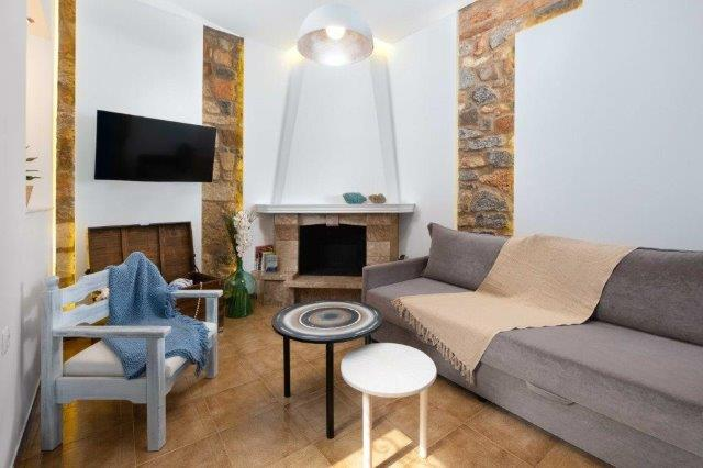 Lindos Diamond Villa - Lounge where you can sit and relax and watch a film
